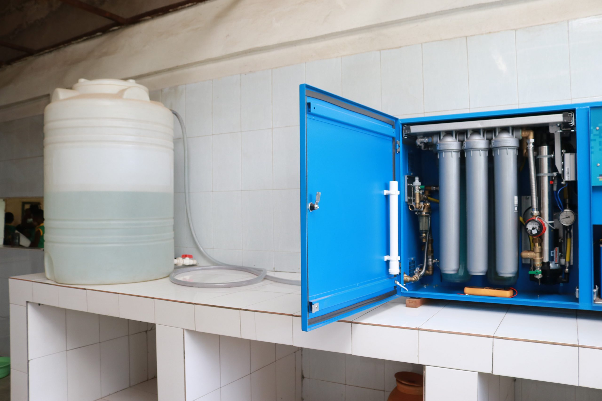 German Ghanaian School takes delivery of Solar Water box machine